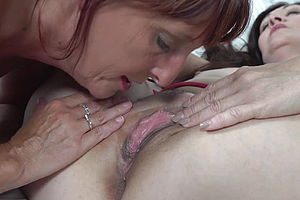 Lesbian,mature,milf,granny,hd Videos,eating pussy,mature nl