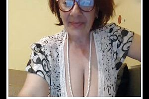 granny,webcam,straight