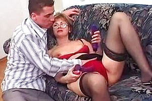 blowjob,cumshot,german,granny,straight