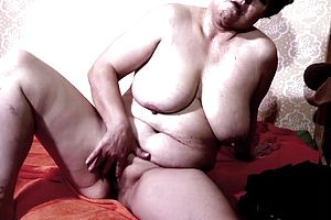 mature,solo Female,straight,granny,hairy