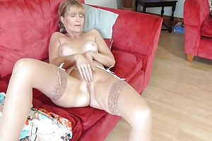 Amateur,granny,milf,matures,lingerie,beauty