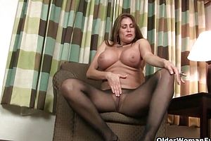 Cougar,milf,matures,fetish,nylons,pantyhose,striptease,funny,granny