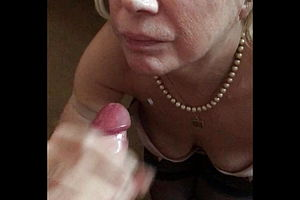 amateur,cumshot,handjob,stockings,granny,hd videos,cum in mouth,cum Swallowing,homemade