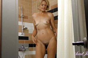 European,granny,hairy,milf,matures,shower,softcore,tits