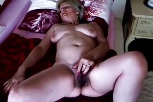 amateur,solo,blowjobs,granny,hairy
