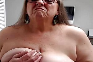 Amateur,granny,webcams,solo